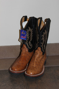 1c6c2f87cd3 Cowboy Boots   Buy or Sell Women's Shoes in Calgary   Kijiji Classifieds