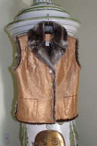 NEW Genuine Leather & Faux Fur Vest Size M