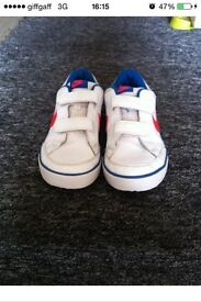 Size 2 nike trainers hardly worn great condition