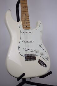 FENDER STRATOCASTER - MIM 2014 - new condition