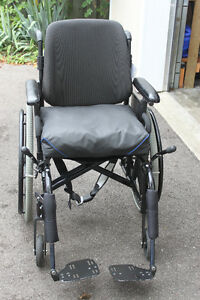 Wheelchair for Sale - $250.00 Cambridge Kitchener Area image 4