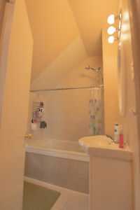 Room for rent for students- 500$ Peterborough Peterborough Area image 4