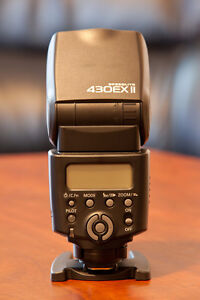 like new canon 430 EX II flash in pouch