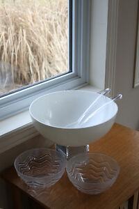 Plastic salad bowls and utensils