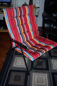 Indoor foldable chair