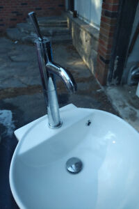 Hand washing sink and faucet