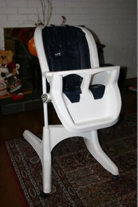 High Chair. Brand: GRACO; Condition: Excellent.