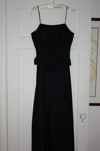 A Chic Formal GS Gown in Midnight Blue