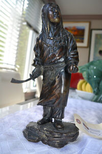 ANTIQUE Bronze warrior with sabre statue 13 inches tall