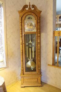 Horloge grand-père en très bon état