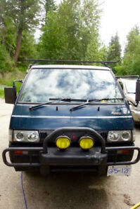 91 Mitsubishi delica 5 speed std. turbo diesel