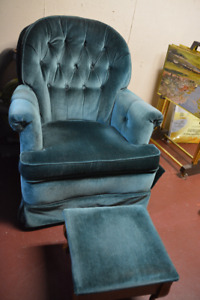 Swivel rocker in good condition