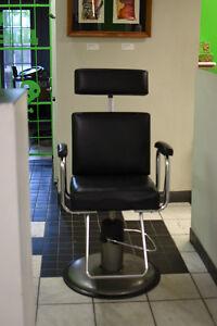 Chaise coiffure ou tattoo shop à vendre