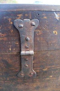 Old Antique Settler's Box/Chest London Ontario image 10
