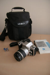 Minolta XTsi 35mm film SLR photo camera kit, lens comp w/ SONY-A