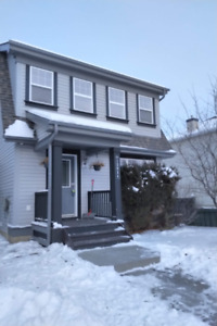3 Bedroom House with Double Garage in Rutherford for rent $1700