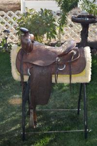 Western Pleasure Saddle