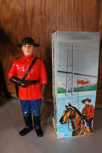 Vintage Hand-Painted Royal Canadian Mounted Police IRWIN INN Sou
