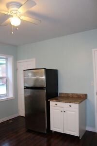 Clean, bright and spacious, and just minutes walk to everything! Kitchener / Waterloo Kitchener Area image 3