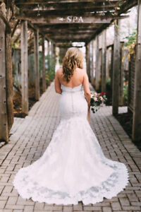 Beautiful lace Allure Bridal wedding dress for sale