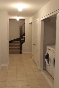 BEAUTIFUL MILTON TOWNHOUSE FOR RENT - AVAILABLE JANUARY 9 Oakville / Halton Region Toronto (GTA) image 3