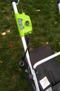Tondeuse à gazon électrique / Electric lawn mower