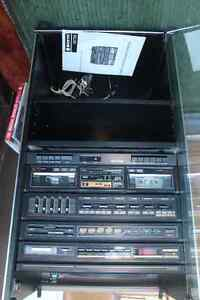 COMPLETE SANYO STEREO SYSTEM/TURNTABLE/SPEAKERS Peterborough Peterborough Area image 2
