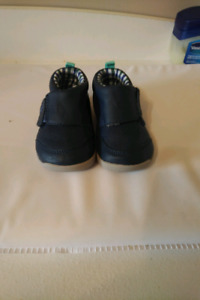 Carters leather walking shoes