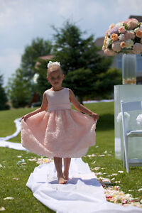 Like New two FLOWER GIRL DRESSES Size 6X Light Peach / Pink Cambridge Kitchener Area image 4