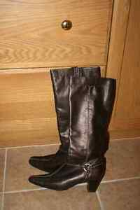 Moda Spana Leather Boots  NEW PRICE Belleville Belleville Area image 1