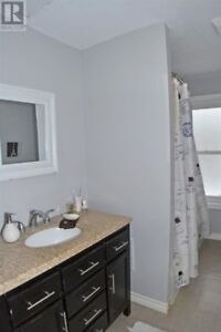 2 beds,1 bath apartment for rent,10 min North of Napanee