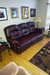 Living Room Leather Couch and Chair for Sale