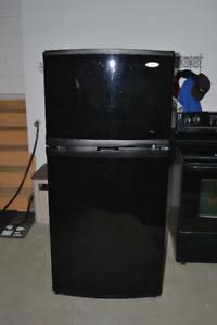 Refrigérateur et cusinnière Whirpool à vendre