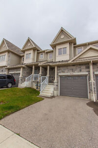 GREAT 3 BED TOWNHOME! SPACIOUS! DESIRABLE LOCATION! NOV or DEC