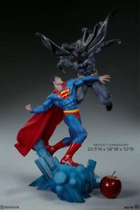 PREORDER! Batman vs Superman Diorama by Sideshow Collectibles