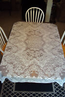 ELEGANT QUAKER LACE TABLECLOTH (RHAPSODY), w/4 napkins - 54x70""