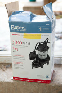 NEW in BOX FLO TEC SUMP PUMP 60.00
