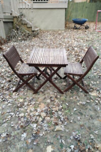 Deck table and 2 chairs