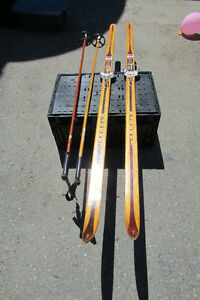Antique cross country ski's and bamboo poles