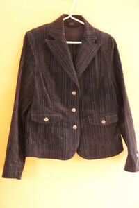 Jeanne Pierre fitted jacket and pant set - black w stripe