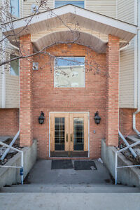 Welcome to this fully RENOVATED Westmount two bedroom Condo!