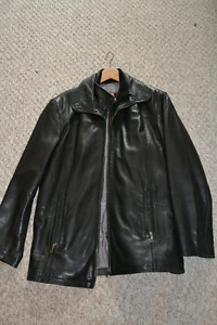 Small Danier Mens Leather Jacket, Mint condition