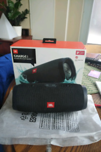New in box JBL CHARGE 3 Bluetooth speaker