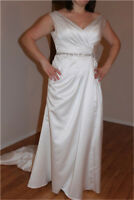 ☆SPECIALIZED IN WEDDING DRESSES BY FANG☆Southwood,403-456-0780☆