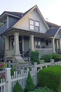Beautiful Executive Row Home (Bedford Landing - Fort Langley)