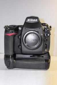 Nikon D700 + MBD-10