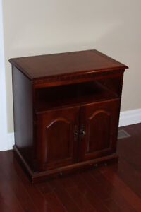 TV table (Solid wood)