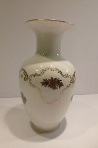 "Reichenbach Fine China- German Democratic Republic Vase ""Signed"" Oakville / Halton Region Toronto (GTA) image 1"