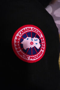 Selling Authentic Canada Goose Chilliwack Bomber Jacket - Size L