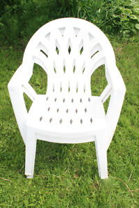 Chaise en plastique - Patio